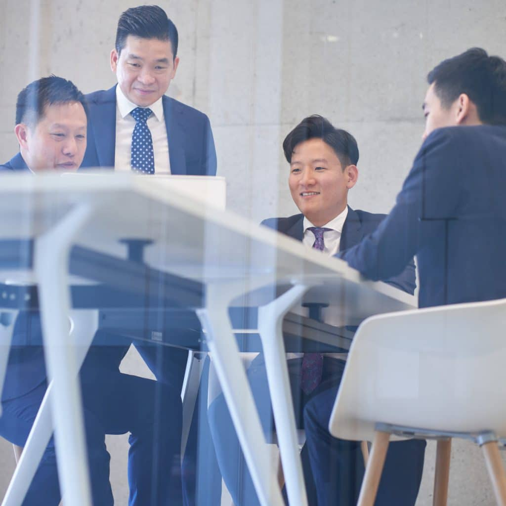 Tong Partners discussing square
